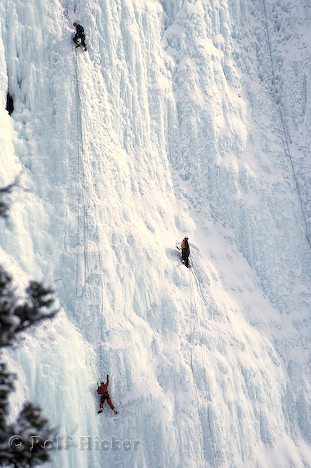 waterfall-ice-climbing_9411